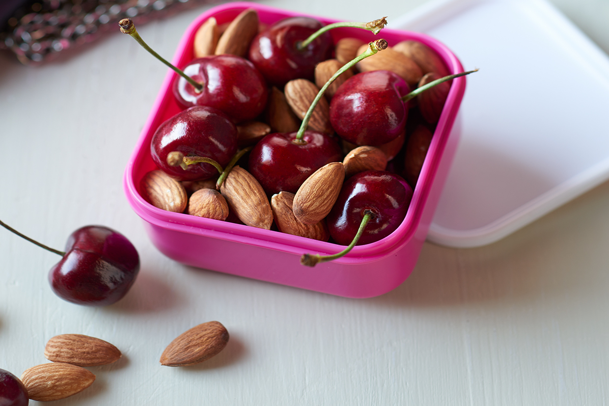 Combos_Almonds_Cherries6011.jpg