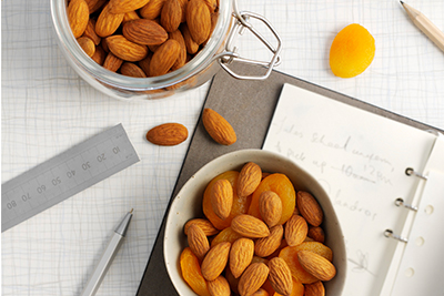 almond with dried apricots